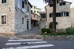 Rua da cidade velha de Herceg-Novi Fotos de Stock Royalty Free