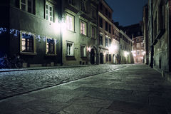 A rua da cidade velha em Varsóvia Fotos de Stock Royalty Free