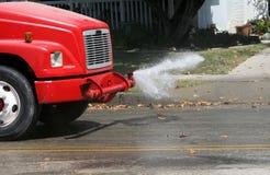 Rua da limpeza do caminhão da água Fotografia de Stock Royalty Free