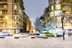 A rua da noite com luz do carro arrasta em Sófia, Bulgária Fotos de Stock Royalty Free
