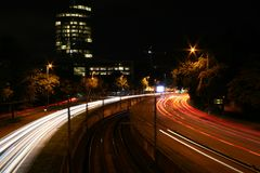 Rua da noite em Köln Fotos de Stock