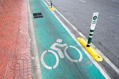 A rua da pista da bicicleta assina dentro Banguecoque Fotos de Stock