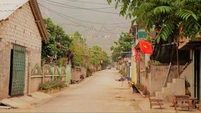 Rua da vila em Vietname imagem de stock