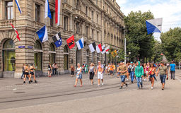 Rua de Bahnhofstrasse curto antes da parada da rua Fotos de Stock Royalty Free