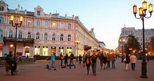 Rua de Bolshaya Pokrovskaya da noite Fotos de Stock Royalty Free