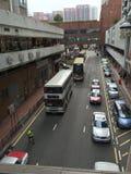 Rua de Hong Kong, ônibus de dois andares imagem de stock royalty free
