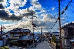 Rua de Kyoto fora do trajeto do ` s do filósofo imagem de stock