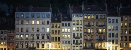 Rua de Lyon na noite Imagem de Stock Royalty Free