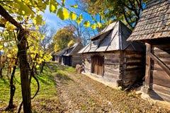 Rua de madeira histórica Ilica das casas de campo imagem de stock royalty free