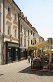 Rua de Michalska em Bratislava slovakia foto de stock royalty free