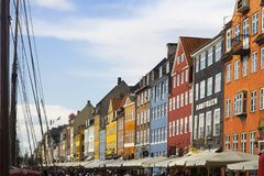 Rua de Nyhavn em Copenhaga imagens de stock royalty free