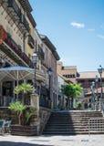 Rua de Poble Espanyol, arquitetura tradicional em Barcelona, Espanha foto de stock royalty free