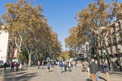 Rua de Rambla do La A rua a mais popular em Barcelona, Espanha Foto de Stock