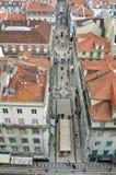 Rua De Santa Justa zakupy ruchliwie ulica w Lisbon Portugalia Zdjęcia Stock