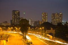 Rua de Singapura na noite imagens de stock