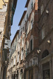 Rua do estreito de Lucca, Itália Fotografia de Stock