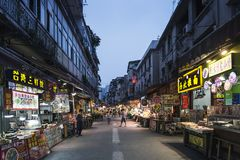 Rua do restaurante perto do mercado central da porcelana da cidade de xiamen imagem de stock royalty free
