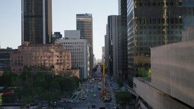 Rua do tráfego em Los Angeles do centro 4K filme