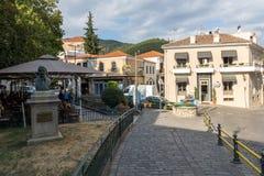 Rua e casas velhas na cidade velha de Xanthi, de Macedônia do leste e de Thrace, Grécia fotografia de stock