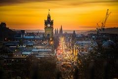 A rua e o Balmoral da princesa elevam-se, tempo do por do sol Imagem de Stock