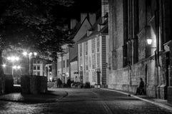 Rua e quadrado velhos da cidade de Riga Imagem de Stock