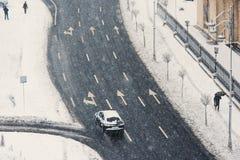 Rua em Bucareste em um dia de inverno fotografia de stock