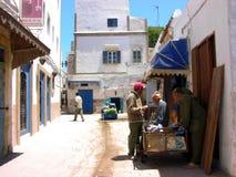 Rua em Essaouira, cidade do Oceano Atlântico em Marrocos Fotografia de Stock Royalty Free