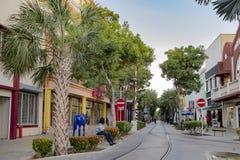 Rua em Oranjestad, Aruba, mar das caraíbas fotos de stock royalty free