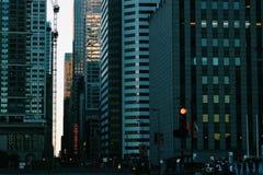 Rua escura da cidade Imagens de Stock