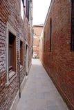 Rua estreita Imagem de Stock Royalty Free