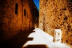 Rua estreita em Mdina, Malta Fotografia de Stock