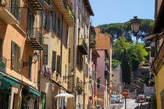 Rua estreita na parte velha de agradável Foto de Stock Royalty Free