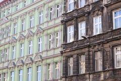 Rua europeia do restaurante italiano atmosférico autêntico da rua no outono em Varsóvia Fachadas de constru??es hist?ricas fotografia de stock