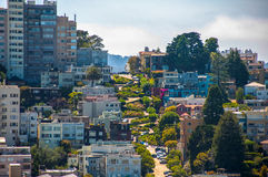 Rua famosa do Lombard, San Francisco, Califórnia, EUA foto de stock royalty free