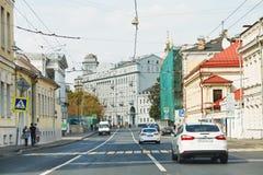 Rua histórica de Solyanka da vista em Moscou Imagens de Stock