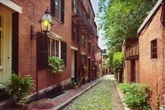 Rua histórica em Beacon Hill, Boston da bolota; Massa , EUA foto de stock