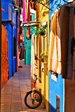 Rua italiana vibrante Imagens de Stock