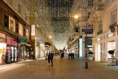 A rua Kohlmarkt na noite durante o tempo do Natal foto de stock royalty free