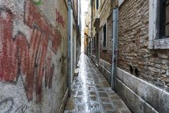 Rua maravilhosa em Veneza fotografia de stock