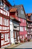 Rua medieval estreita pequena no centro de cidade histórica de Alsfeld, Alemanha imagens de stock royalty free