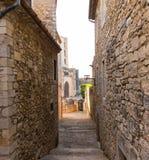 Rua medieval na cidade de Girona, Catalonia, Espanha Imagem de Stock