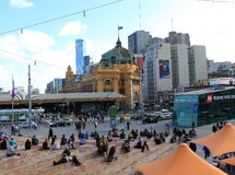 Rua Melbourne do Flinders  Fotos de Stock Royalty Free