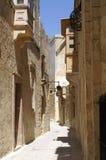Rua muito estreita na cidade medieval velha Foto de Stock
