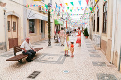 Rua na cidade Silves, Portugal Imagem de Stock