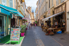Rua na cidade velha de Aix-en-Provence, França sul Foto de Stock Royalty Free