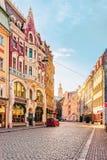 Rua na cidade velha de Riga fotografia de stock royalty free