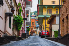 Rua na cidade velha de Tbilisi Imagens de Stock Royalty Free