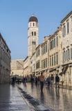 Rua na cidade velha histórica de Balcãs de dubrovnik croatia Foto de Stock
