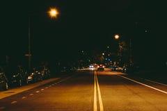 19a rua na noite, no círculo de Du Pont, em Washington, C.C. Fotografia de Stock Royalty Free