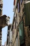Rua na separação da cidade pequena, Croácia Imagem de Stock Royalty Free